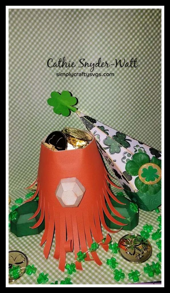 Leprechaun Gnome by DT Cathie