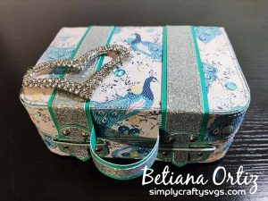 Vintage Suitcase SVG by Betiana