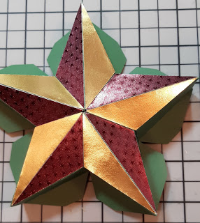 Holiday Star Gift Box by Annie